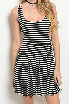 Smazy by Inance Striped Cut Out Back Scoop Neck Dress